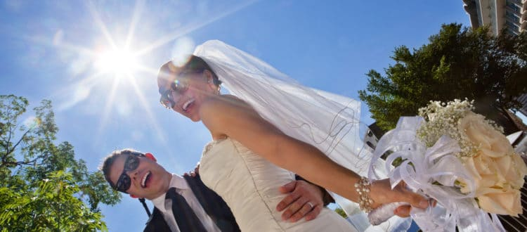 How-Wedding-Limo-Service-Makes-Your-Big-Day-More-Awesome-750x330