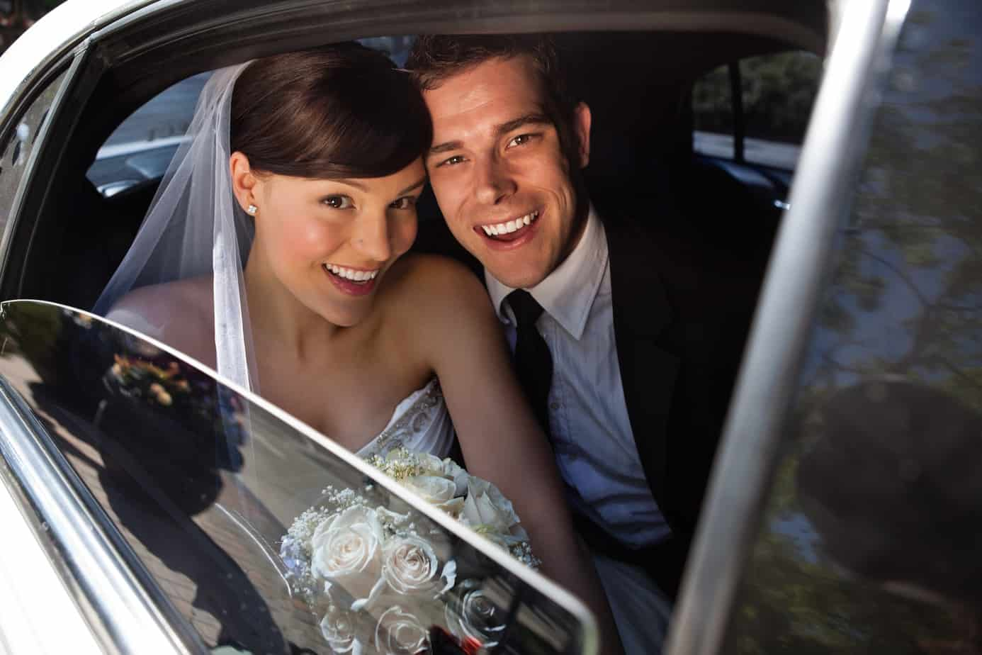 factors-to-consider-when-choosing-a-limo-service-for-a-wedding
