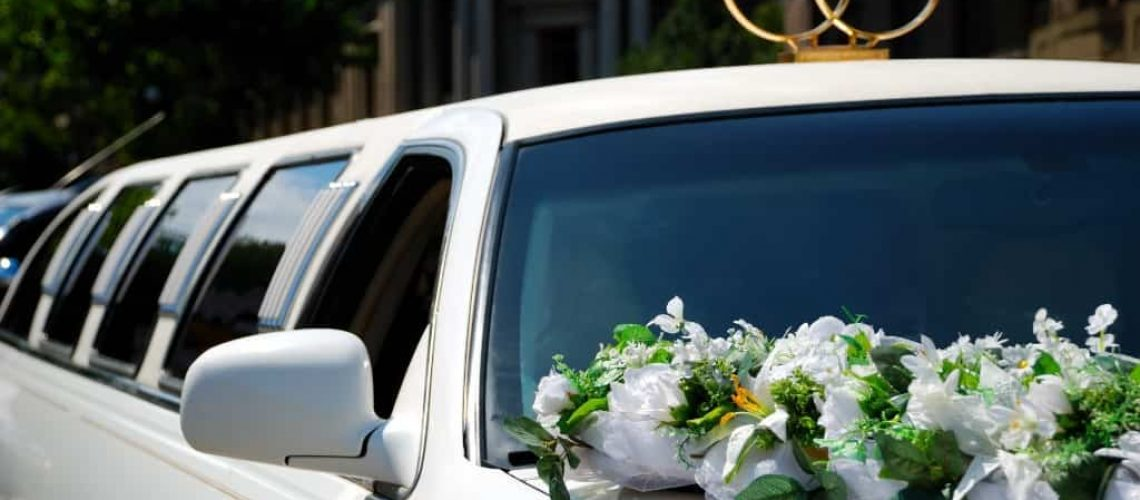 why-hire-a-limo-service-for-your-wedding